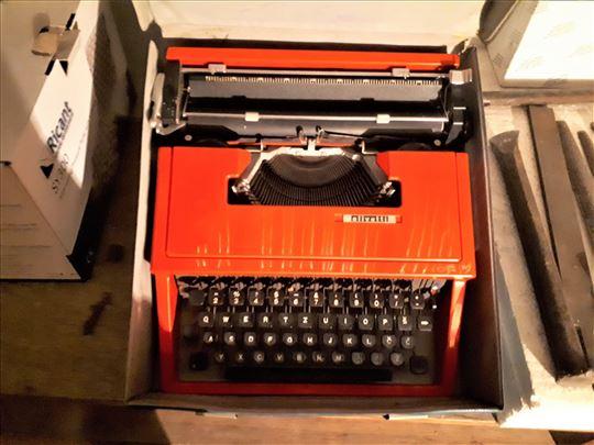 Prodajem pisaću mašinu