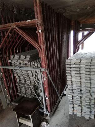 Ramovska skela i metalni podupirači
