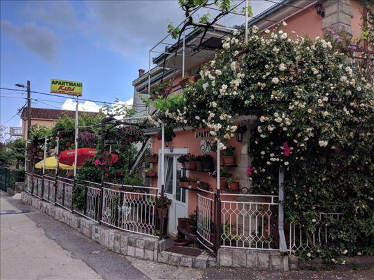 Apartmani Kisic, Zelenika bb