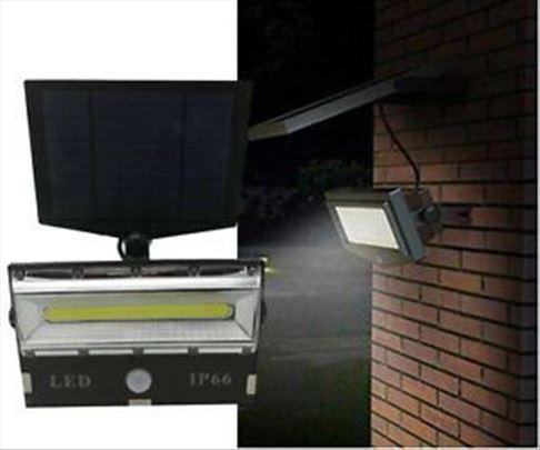 Solarni LED reflektor sa senzorom