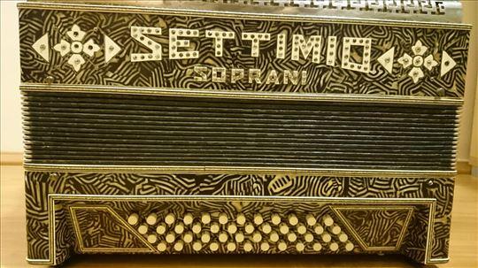 Harmonika Settimio Soprani, stara 100 godina