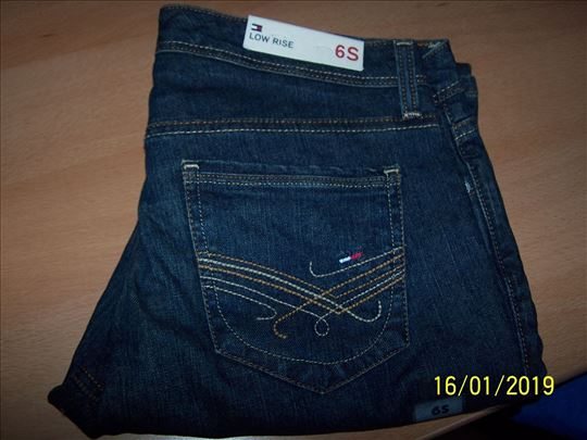Tommy Hilfiger farmerice nove