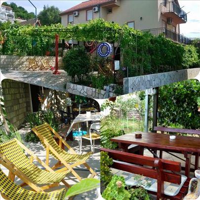 Crna Gora, Bijela, apartmani i sobe Fanfani