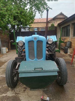 Prodajem traktor Rakovica 60