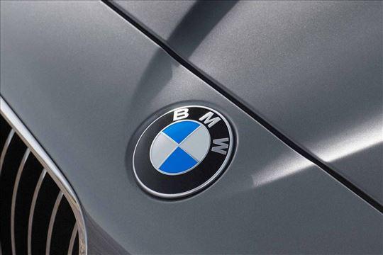 F10 BMW prednji znak 51147057794 82 mm original