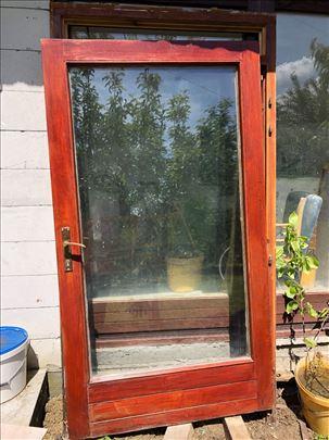 Drvena vrata sa staklom
