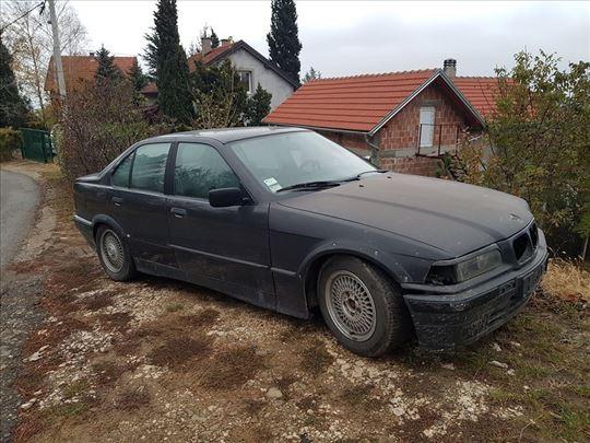 BMW e36 325i kompletan auto za delove
