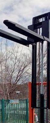 Ručni hidraulični viljuškar 2tone na 3 metra