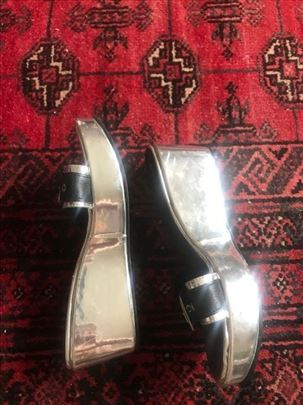 Srebrne papuče Simić