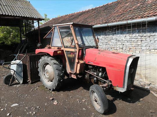 Prodajem traktor IMT542 u Basaidu, Odličan!