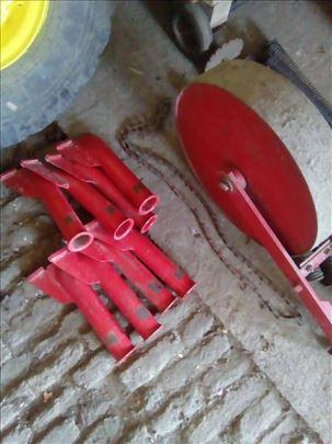 Oprema za djubrivo na spartac IMT 4 reda