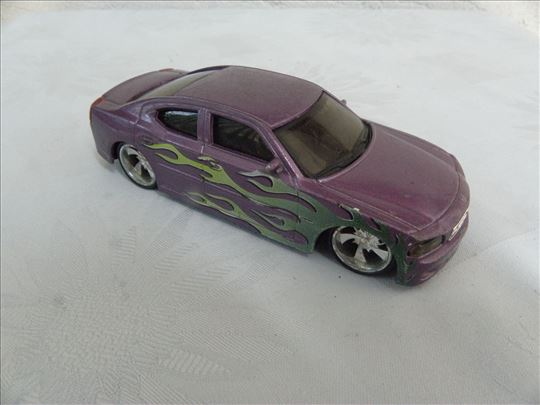 Burago Dodge Charger 2006 R/T 1:43, China.