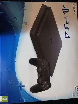 Prodajem PS4 sa jednim džojstikom