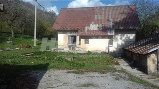 Kuca/vikendica, Ljubovo kod Gospica, Hrvatska