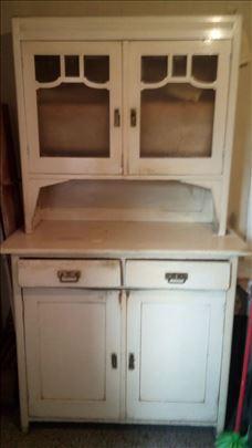 Kuhinjski kredenac