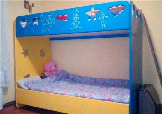 Dečiji krevet na sprat
