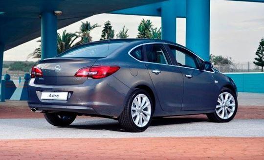 Rent a car. Beograd, Opel Astra