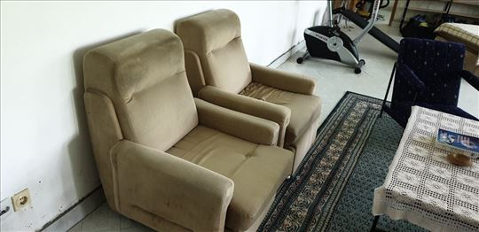 Dve fotelje na prodaju