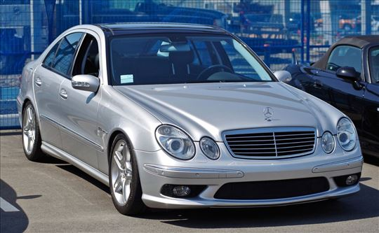 Mercedes Auto Taxi 1€/Km