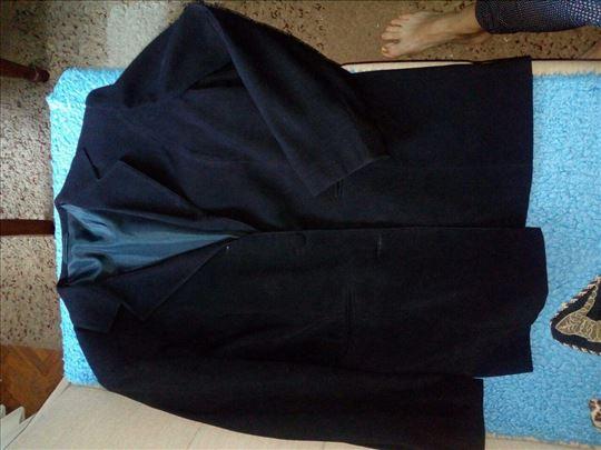 Ženska suknja i sako