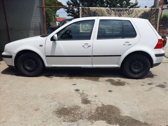 Volkswagen Golf 4 1.4 - 16v