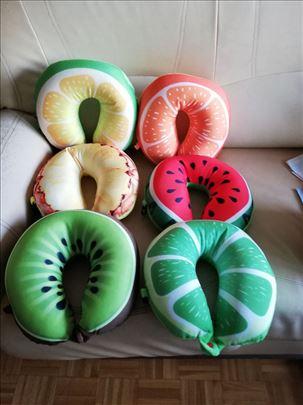 Јастуци у облику воћа