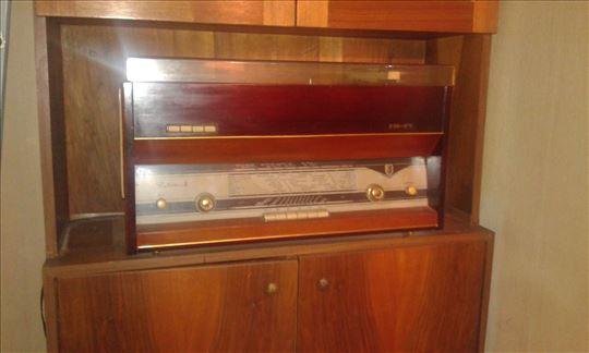 Radio sa gramofonom Rubin-b