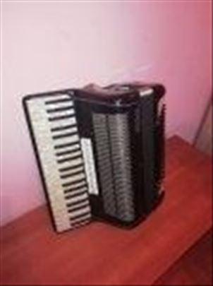 Prodajem harmoniku