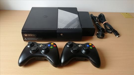 XBOX 360 250GB čipovan RGH sa igrama i 2 džojstika