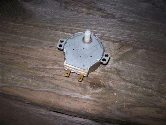 Elektromotor 220V 5rpm za mikrotalasne