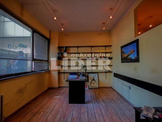 Stan koji funkcioniše kao odličan poslovni prostor