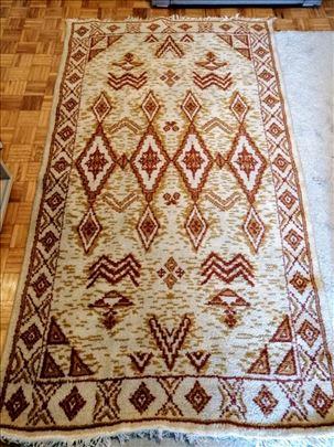 VUNENI tepih i dve vunene tepih staze