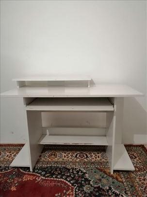 Kancelarijski komjuterski sto