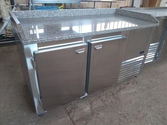 Inox rashladni stolovi i ormani za plehove 400x600
