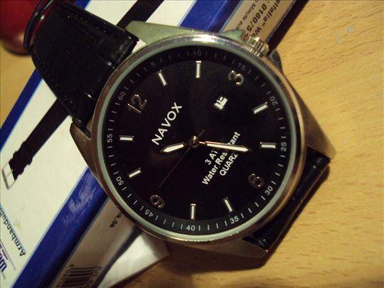 Ručni kvarcni sat navox -extra. Datumar