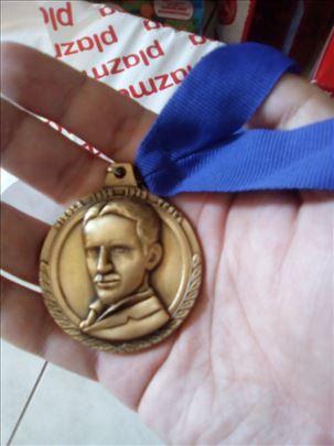 Tesla medaljon
