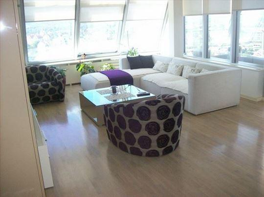 Lux stan u blizini Bulevara Evrope