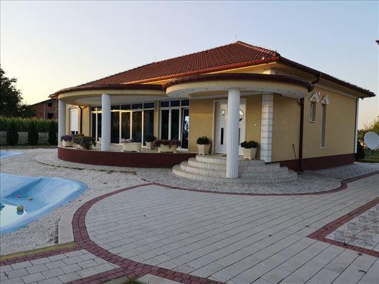 LUX Kuća u Varvarinu