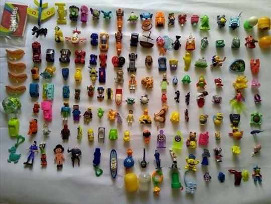 Kinder igračke, 146 komada