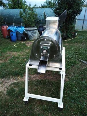 Mašina za pasiranje i otkoštavanje voća