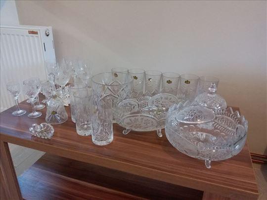 Kristalne čaše, čašice, činije, zvonce, posude...
