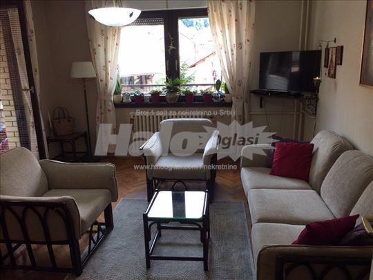 Prodajem ili menjam za stan u Beogradu uz doplatu