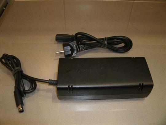 Adapter za Xbox 360 E, kao nov