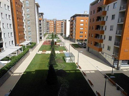 Novi Beograd-A blok-Lokal-48m2 plus bašta 16m2 ID#