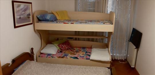 Krevet na sprat za decu