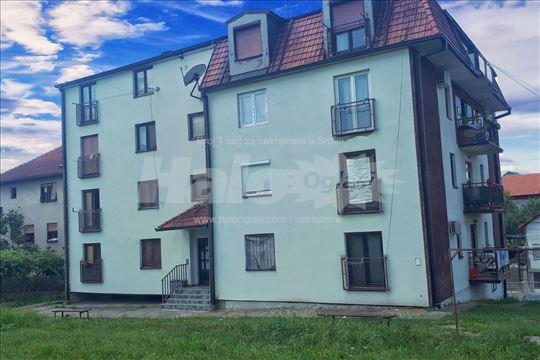 Prodajem namešten stan u Loznici