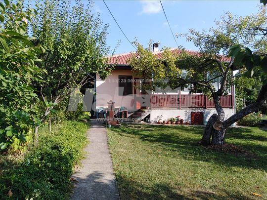 Lipovački put 256, kuća na prodaju, 5 ari plac