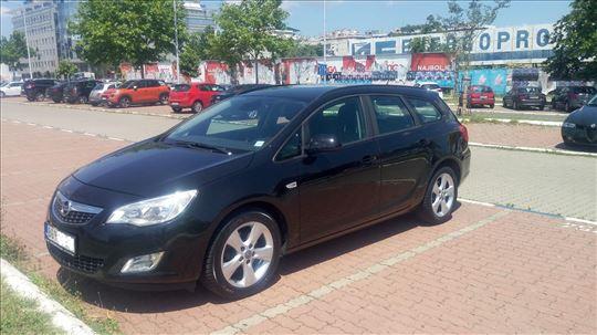 Opel Astra J Sports Tourer 1.7 CDTI 2011