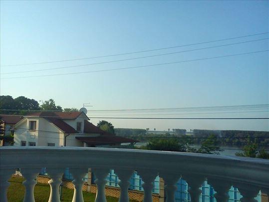 Zemun,kvalitetna kuća sa pogledom na Dunav,ID 5444