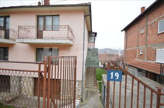 Prodajem kucu u Novom Pazaru - Extra lokacija